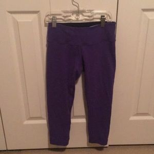 lululemon athletica Pants - Lululemon purple crop leggings sz 4 59597